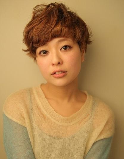 吹田市旭通商店街にある美容院、HIKARIS hair SUITAのイメージ