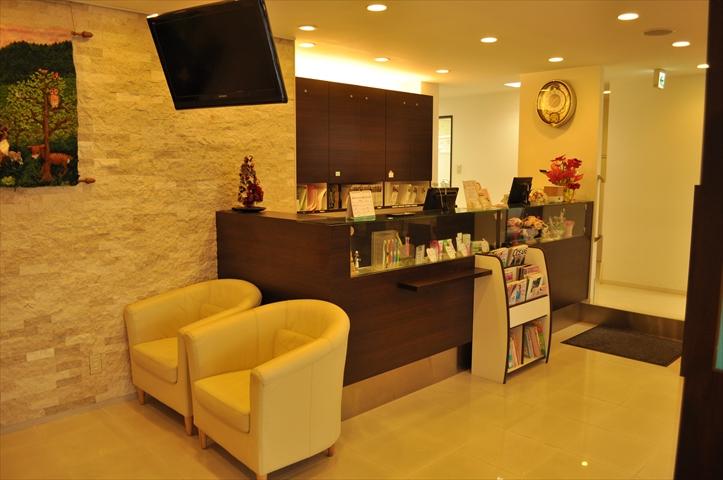 吹田市旭通商店街にある歯科医院、すいた駅前歯科の店内